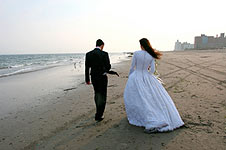 wedding-couple-beach